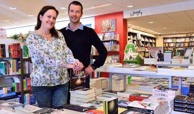 Maaike en Pieter in hun winkel   | Fotonummer: 980772