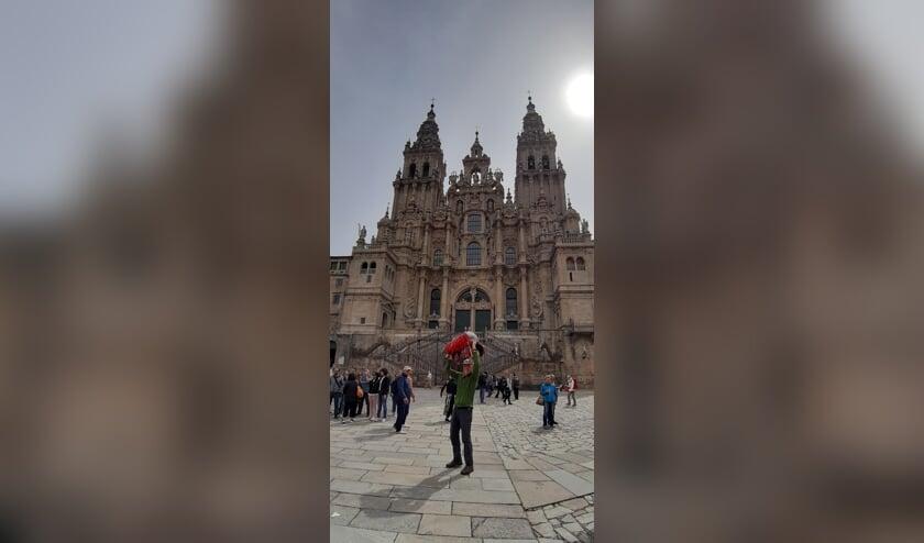 Rini bij zijn aankomst in Santiago de Compostella     Fotonummer: 7805ec
