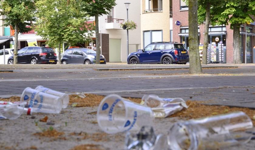De plastic bekers liggen wekelijks op straat (archieffoto)   | Fotonummer: 3fabae