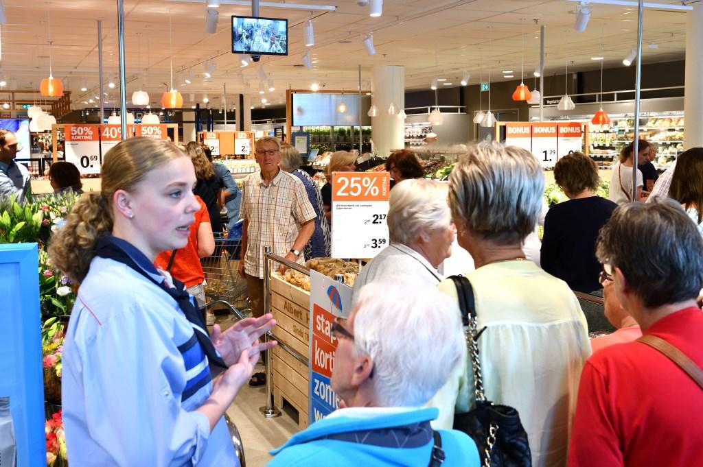 Veel belangstelling van klanten voor de nieuwe winkel Foto: Wil Feijen © DeMooiSonenBreugelKrant