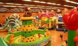 In de Kerstvakantie is ook het springkussenfestival in de Sporthal. Foto: pr