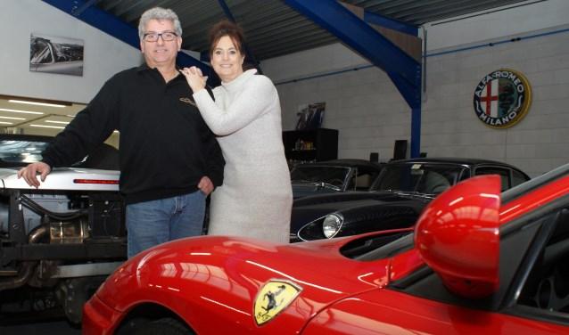 Caresance Classic Cars van René en Anja van der Putten is sinds kort gevestigd in de Dobbewijk. Het bedrijf onderhoudt, repareert en hersteld oldtimers en nieuwe auto's. Foto: VSK
