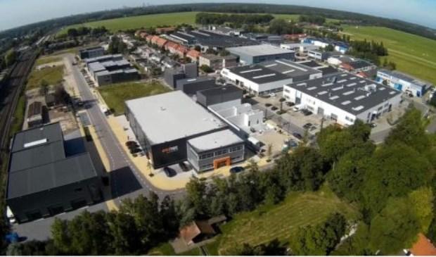 Brengt de Gemeente Voorschoten vanaf 2018 bij de bouw van nieuwe bedrijfsgebouwen hier in de Dobbewijk en woningen elders in het dorp (veel) te hoge bouwleges in rekening? Foto: OVV