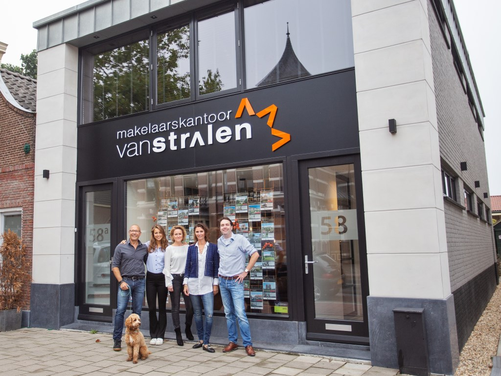 Makelaarskantoor Van Stralen - Leidseweg 58 2251 LC - Voorschoten - www.makelaarskantoorvanstralen.nl T. 071 562 0000