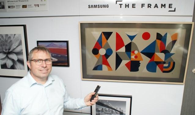 The Frame! Aan is het een televisie en uit is het een kunstwerk! Gerard de Ru vertelt er u graag over. Foto: VSK