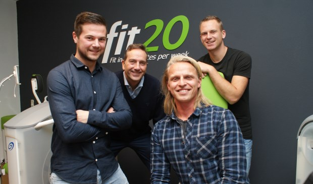 vlnr: Studiomanager Jorick Vogel, Walter Vendl, eigenaar van Fit20, Ricardo Massmeijer en Jeroen Harteveld