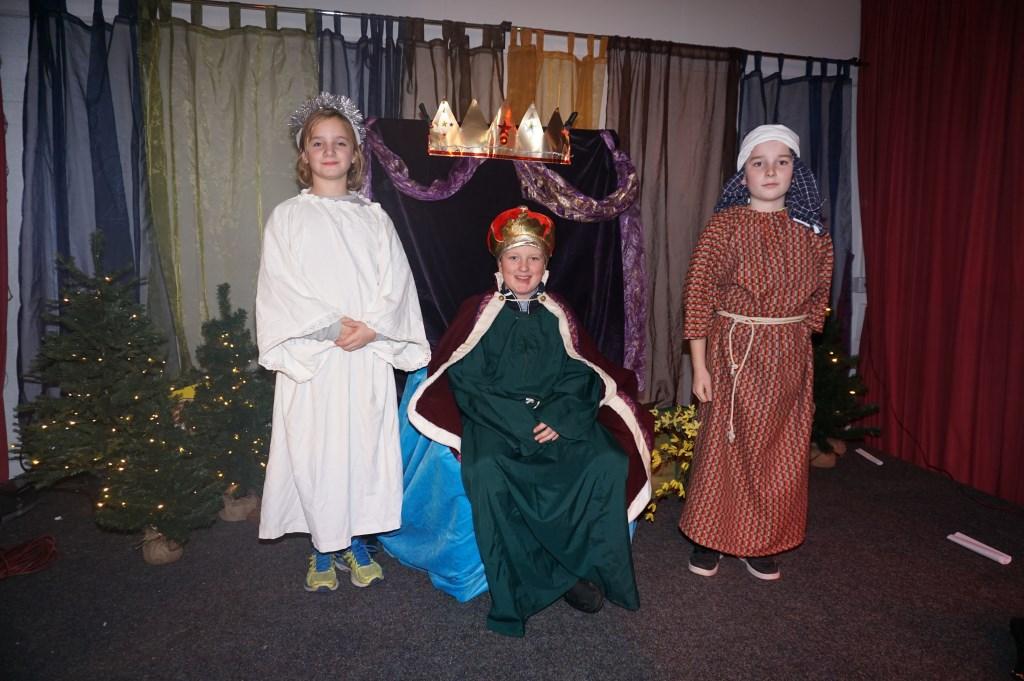 Jelle is Koning Herodes en Pien de Engel Gabriel.   © VSK