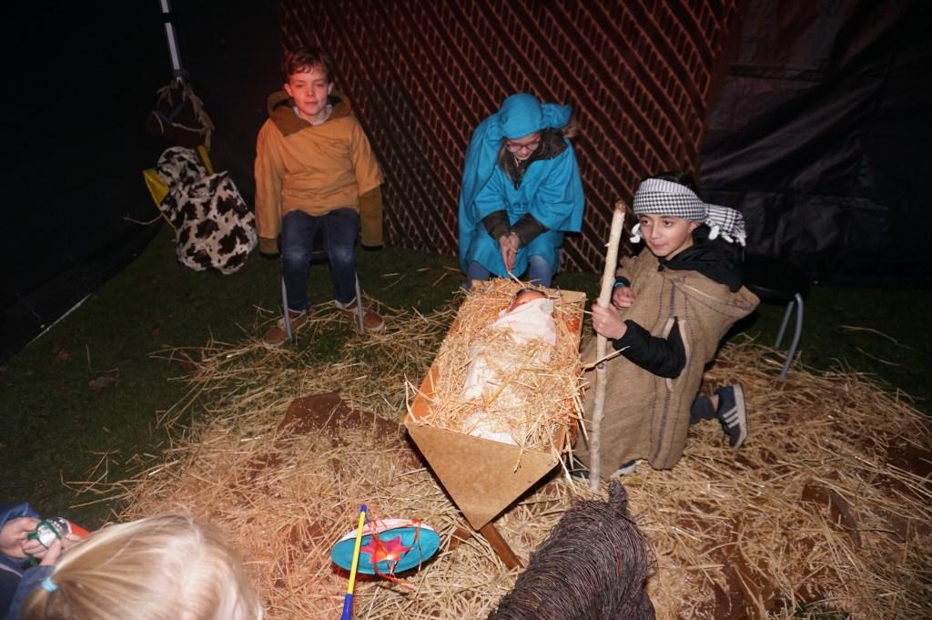 En daar is het Kindeke in de stal! Foto's: VSK