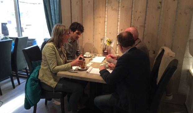 Spreekuur ONS bij lunch en espressobar Het Wedde. Foto: PR