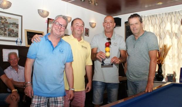 Vlnr Rob Scholtes, Willem van Engelen, Jan Mink (winnaar van vorig jaar) en Dick Rol. Foto: VSK