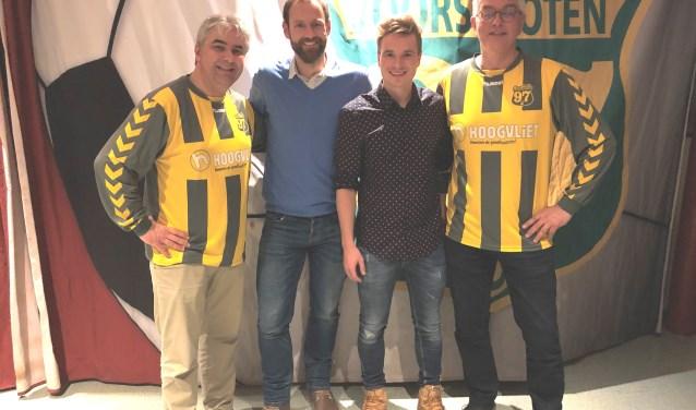 Vlnr Hans Douw (organisatie), Stefan Mouwen en Rypke Bakker (winnaars), Daan Lobel (organisatie). Foto: pr