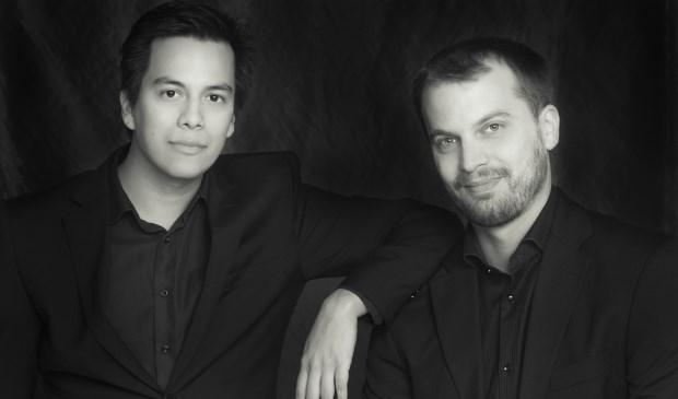 Violist Eduardo Paredes en pianist Daan Treur geven op 10 februari een concert in WZC Adegeest. Foto: Joris-Jan Bos via De Toonzetter