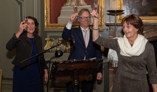 Vlnr Directeur Antoinette van Dorssen, voorzitter Arent van Wassenaer en scheiden voorzitter Adrienne Vriesendorp. Foto: Ton Jelsma