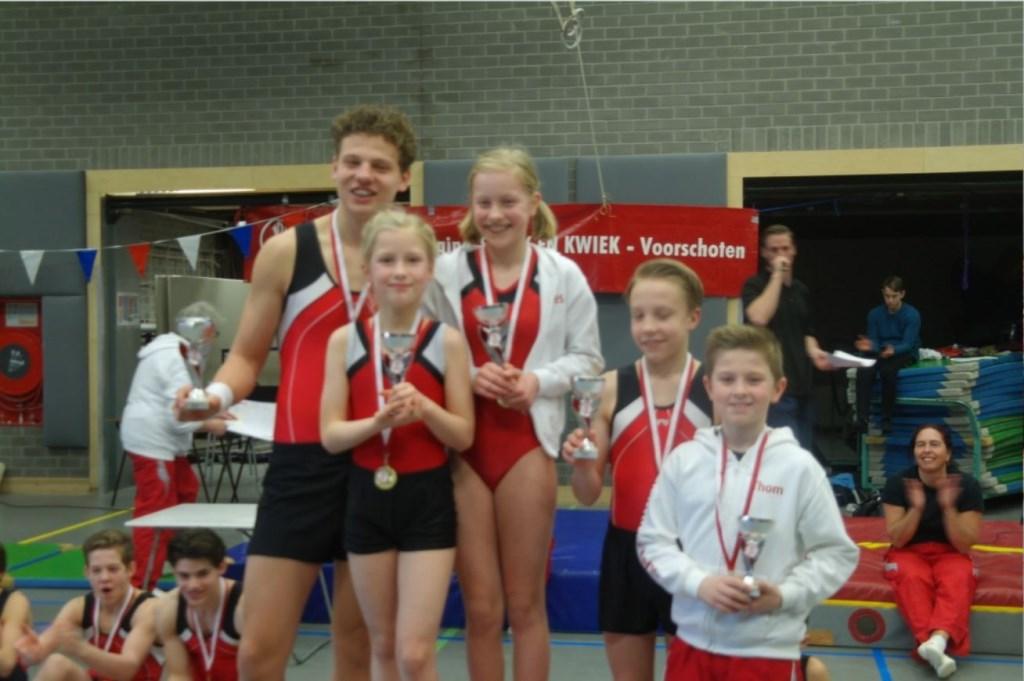 Kampioenen: (vlnr): Jelle Lauf (VK), Julie Dijkstra (JJK), Wies Jansen (VK), Matthias Fransen (JK), Thom Tinga (JJK), Christiane Spruijt (JJK)