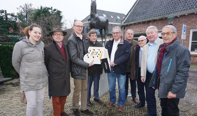 Vlnr Martine Zoun, Cees Bijloos, Sjoerd van den Dool, Jan Verschoor, Rob de Vries, Daan Verschoor, Jan Berg, Jan Tesk en Leo van Vliet. Foto: Vsk