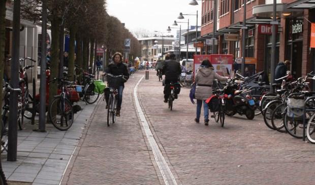 Fietsen in de Schoolstraat wordt binnenkort verboden. Foto: VSK