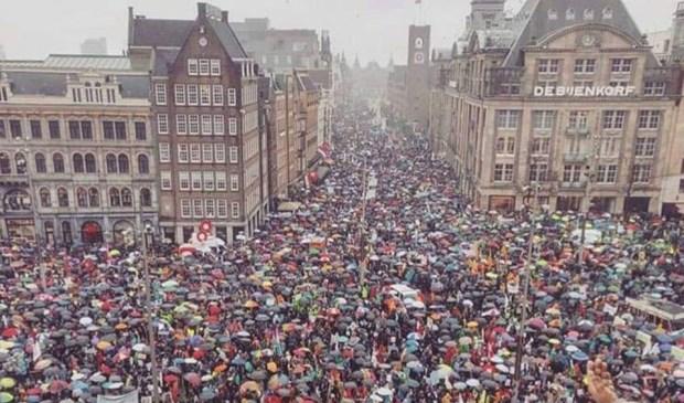 GroenLinks Voorschoten liep mee in de klimaatmars. Foto: GL