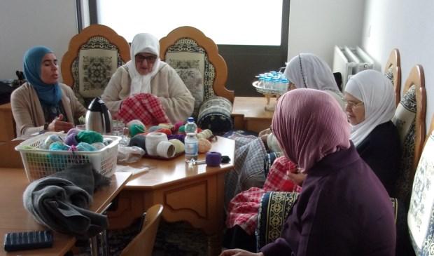 Ontmoetingscentrum 'Marhaba' is bedoeld voor oudere, niet in Nederland geboren Moslima's die weinig sociale contacten buiten de deur hebben en hierdoor geïsoleerd raken. Foto: GroenLinks