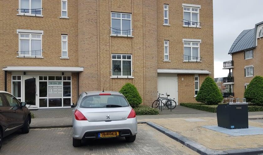 De bewuste afvalcontainer voor het appartementencomplex. Foto: gemeente Voorschoten
