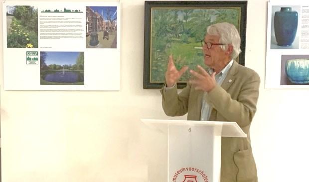 Stan Dessens opende de nieuwe tentoonstelling in Museum Voorschoten. Foto: Museum Voorschoten