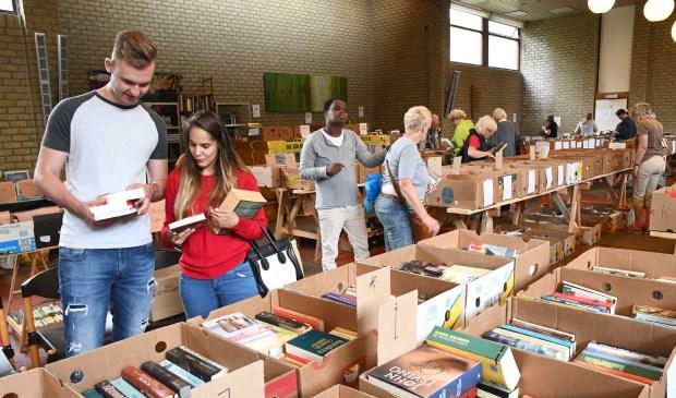 Amnesty boekenmarkt brengt € 14.500,- op