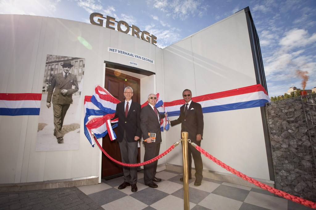 Opening van het nieuwe theater over het leven van George Maduro (foto: Studio Oostrum).  © Het Krantje