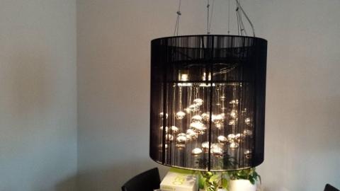 moderne hanglampen eettafel marktplein. Black Bedroom Furniture Sets. Home Design Ideas