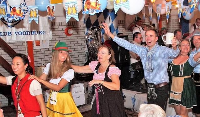 De Lionsclub Voorburg organiseerde voor de eerste keer het 'Oktoberfest' (foto: pr Lions Voorburg).