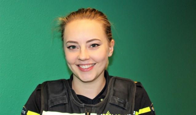 Wijkagent Elles van den Berg (teks/foto: DJ).