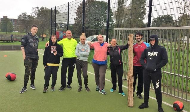 Met een sportaanbod werken de jongeren aan een positiever zelfbeeld en vergrootten ze hun sociale en communicatieve vaardigheden (tekst: Inge Koot / foto: pr).