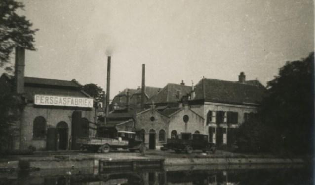 De persgasfabriek in de tuin van buitenplaats Middendorp