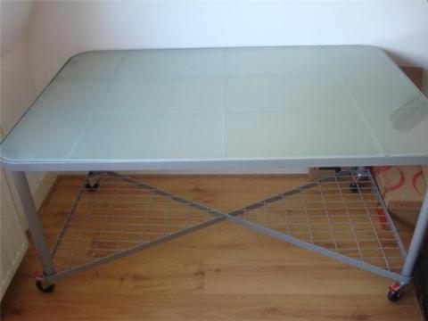 Glazen Tafel Ikea : 25 euro ikea glazen werkblad bureau moment marktplein