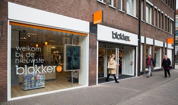 Onlangs werd de nieuwste Blokker winkel aan de Bilderdijkstraat in Amsterdam geopend, met een nieuw logo en een nieuwe inrichting.