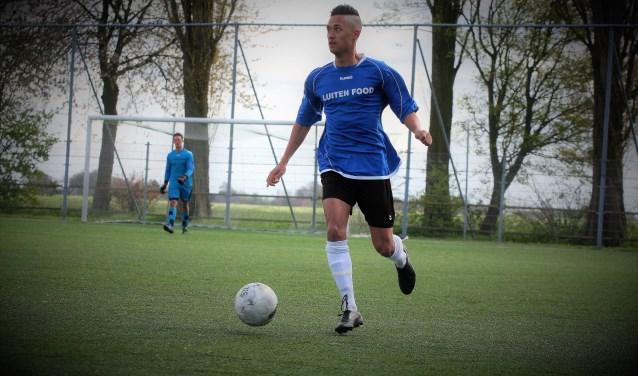 Enrico Geus (Stompwijk'92) scoorde zondag alle 5 de goals voor zijn ploeg (archieffoto: AW).
