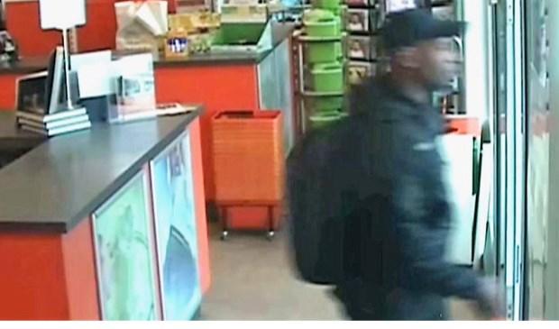 De winkeldief (beelden bewakingscamera via politie LDVB).