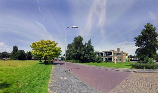 Er komen op de Rijnlandlaan minder woningen dan eerst de bedoeling was, maar meer dan omwonenden willen (foto: Hans Willink).