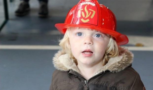 Zet je speelgoedhelm op tijdens de open dag in de brandweerkazerne (Foto: Ap de Heus).