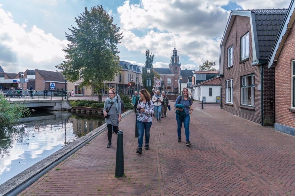 De Geuzendag had deze jaargang een nieuw onderdeel: de Instawalk. In gezelschap van fotografen liepen de deelnemers langs mooie plekjes van Zoetermeer. Foto: pr  © Postiljon