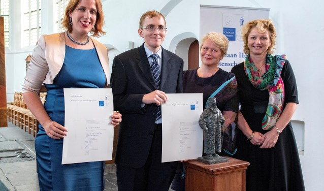 Adrian Hamers (2e van links) ontving de Christiaan Huygens Wetenschapsprijs) (foto: Michel Groen).