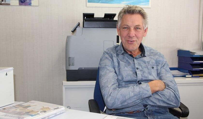 Theo van der Helm is 66 maar bruist nog van de energie. Hij vindt het werk nog leuk maar als er 'morgen iemand komt' om de zaak te kopen, dan is dat prima.
