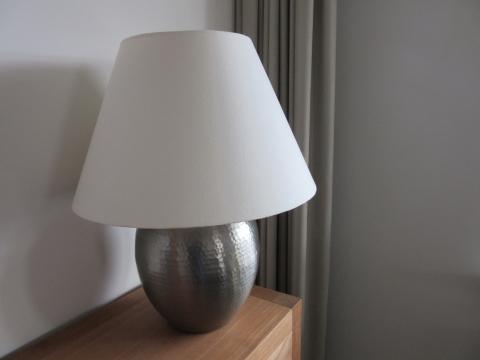 Tafellamp met kap en dimmer marktplein