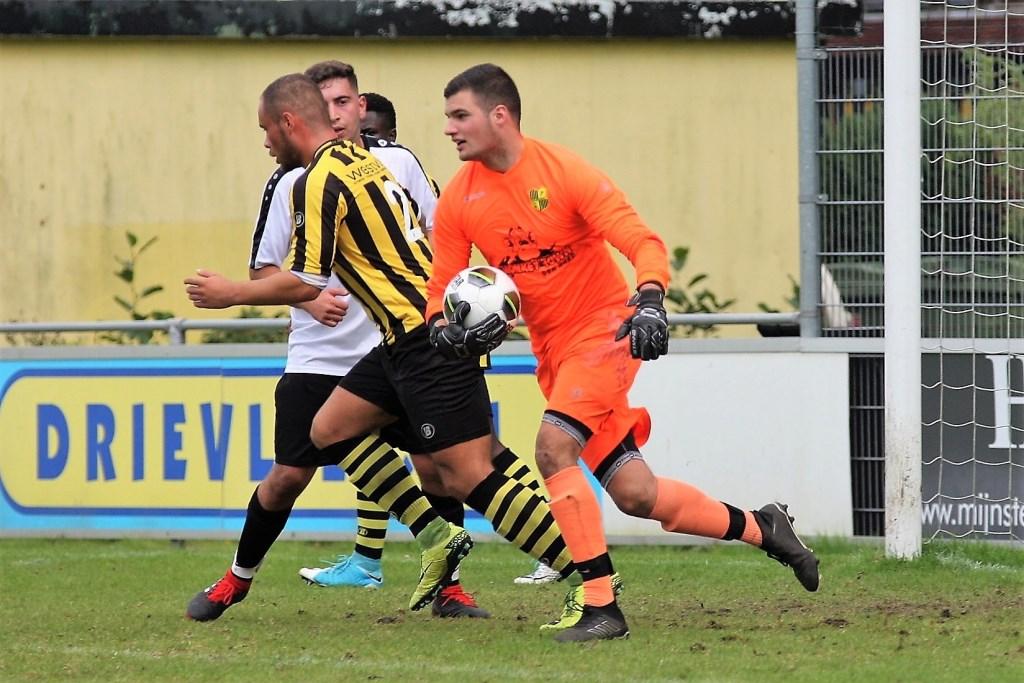 Keeper Marc de Jong (Wilhelmus) viel al vlot geblesseerd uit (archieffoto: AW).
