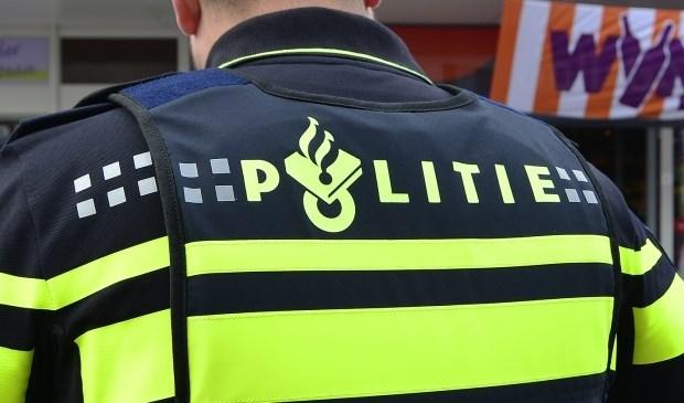 Een 17-jarig meisje was op de Bordeauxstraat in Zoetermeer beroofd van haar tas.