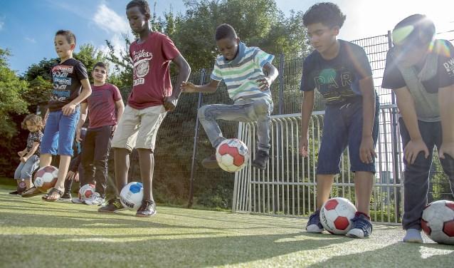 Sport en spel met Sport en Welzijn (SenW) in de wijk (foto: Rolf van Koppen).