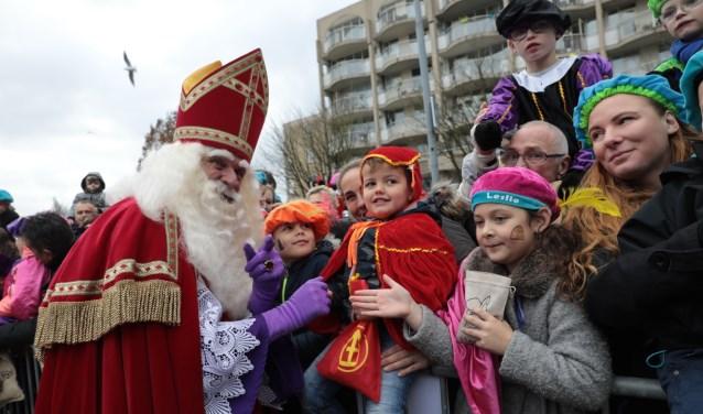 De intocht van Sinterklaas in Zoetermeer is op zaterdag 17 november. Een week later gaat hij naar Benthuizen. Foto: Jan van Es