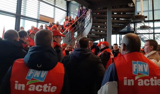 Actie bij FME in Zoetermeer voor een goede cao Metalektro. Foto: via twitter Brenda Heidinga