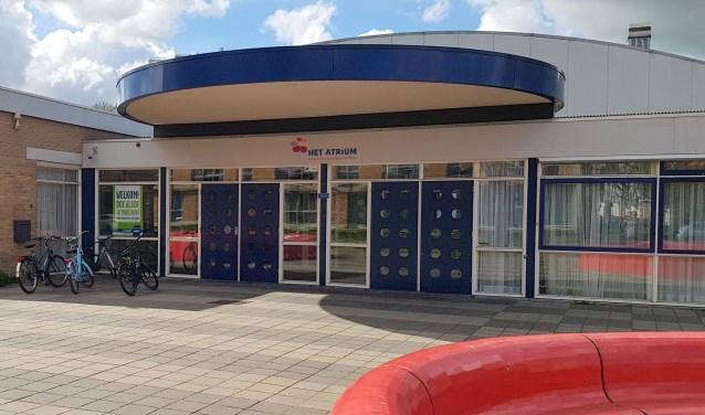 Het gebouw van het Atrium, aan de Dr. J. W. Paltelaan en momenteel het onderkomen van het Praktijkonderwijs, wordt omgevormd tot een moderne MAVO school. Foto: hetatrium-pro.nl