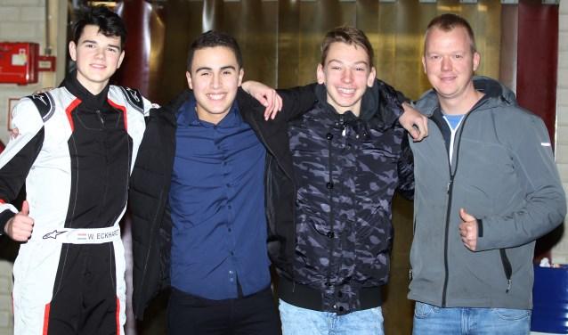 De jonge karter Ryan Kavehzadeh (2e van links) uit Zoetermeer heeft dit seizoen zijn progressie laten zien door zijn vierde plaats in de GK4 Kart Series. Rechts teammanager Pietjan Roggeveen. Foto: Bas Kaligis