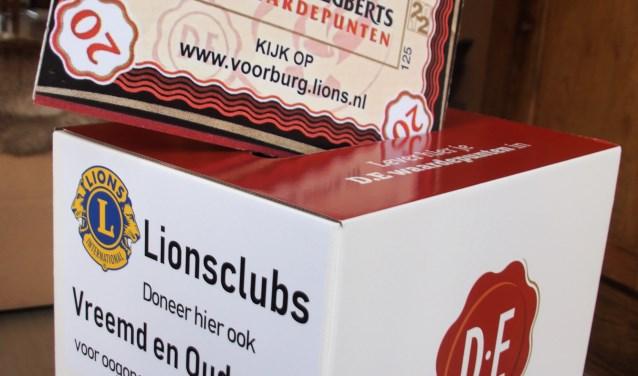 Lionsclub en LEO club hopen weer zoveel mogelijk pakken koffie te overhandigen aan de Voedselbank. Foto: pr