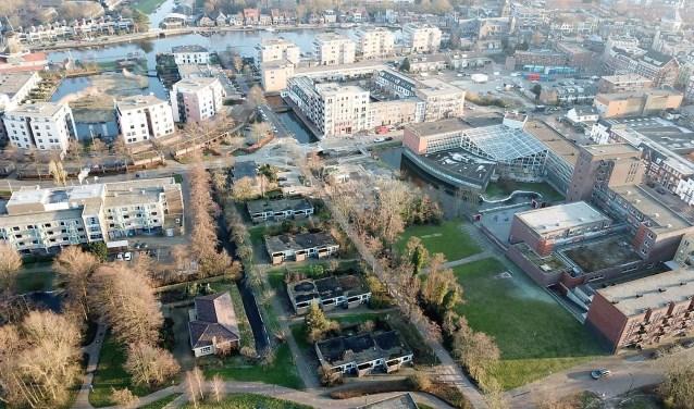 Het blok geschakelde woningen aan de Schoorlaan vanuit de lucht (foto: Boelens de Gruyter).